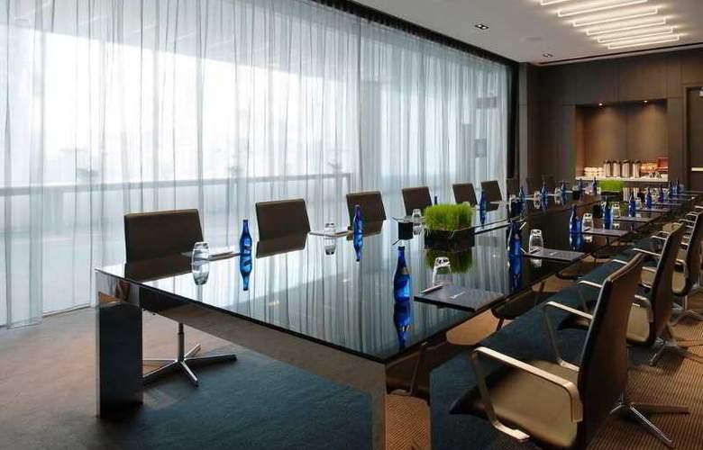 Radisson Blu Aqua Hotel - Conference - 22