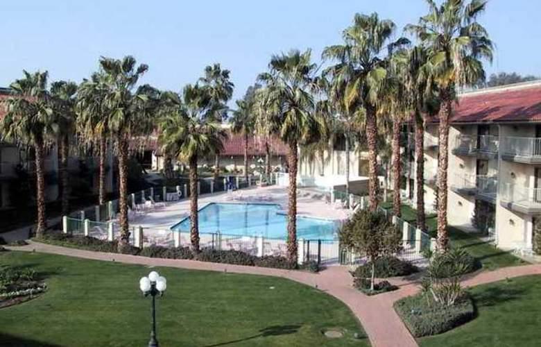 DoubleTree by Hilton Hotel Bakersfield - Hotel - 6