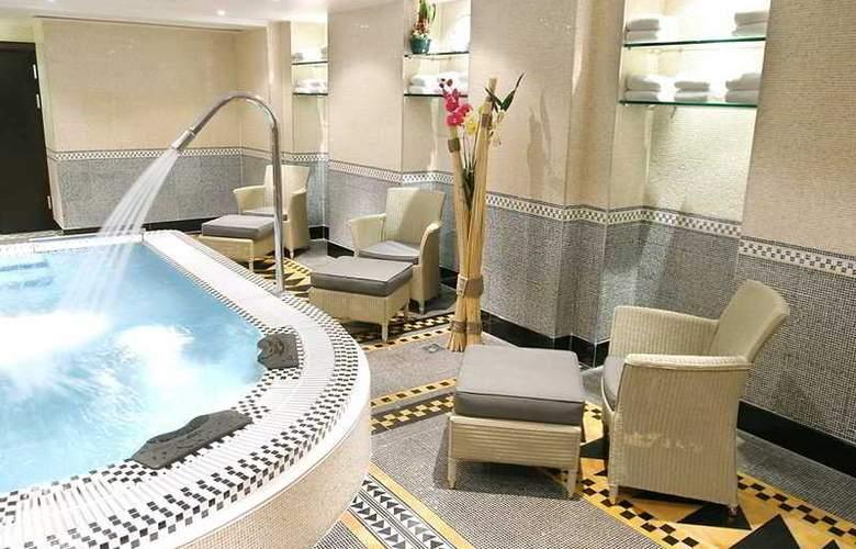 Hotel du Collectionneur Arc de Triomphe - Services - 4