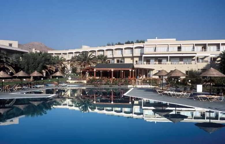 Lutania Beach - Hotel - 5