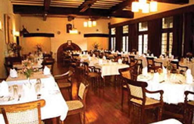 Hill Club - Restaurant - 3