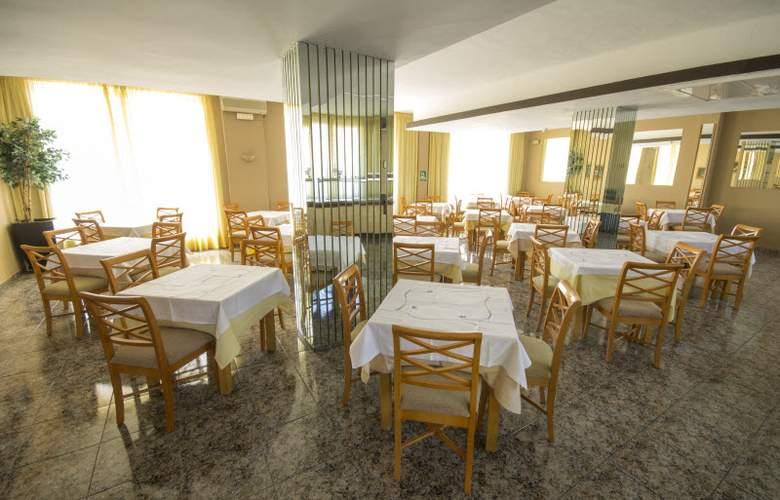 Azuline Mediterráneo - Restaurant - 7