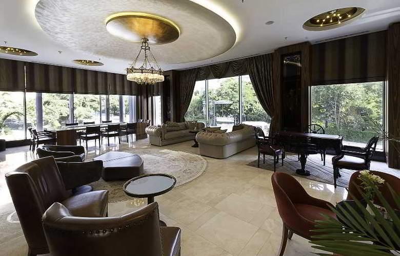 Ramada Hotel & Suites Atakoy - General - 4
