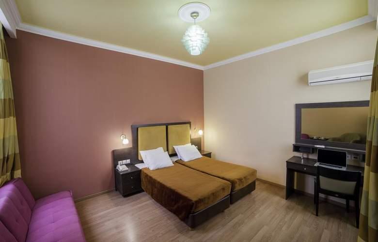 Delphi Art Hotel - Room - 6