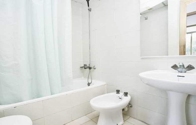 Cataluña Apartamentos - Room - 9