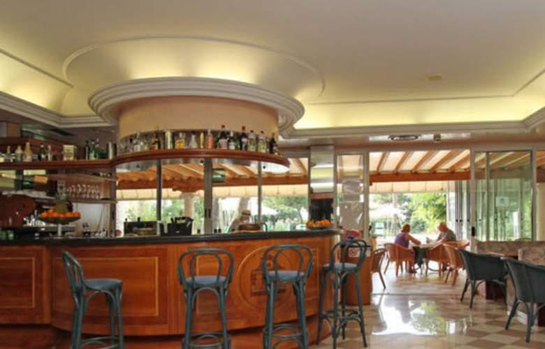Park Hotel Cellini - Bar - 3