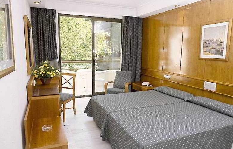 HSM Madrigal - Room - 2