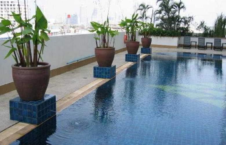 Tongtara Riverview - Pool - 4