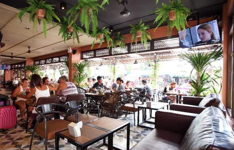 Rambuttri Village Inn & Plaza - Restaurant - 17