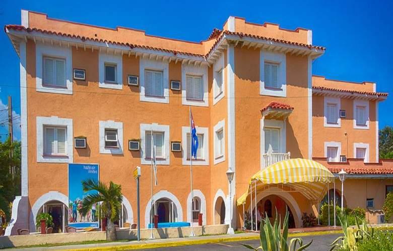 Dos Mares - Hotel - 0