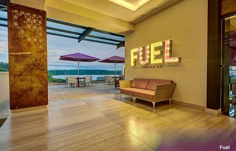 Planet Hollywood Beach Resort Cancun - Terrace - 3