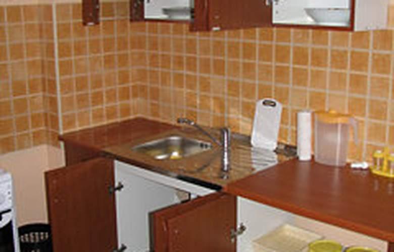 Villa Luketa - Room - 5