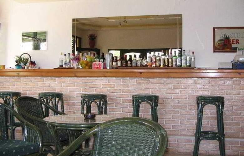 Aspri Petra - Bar - 2