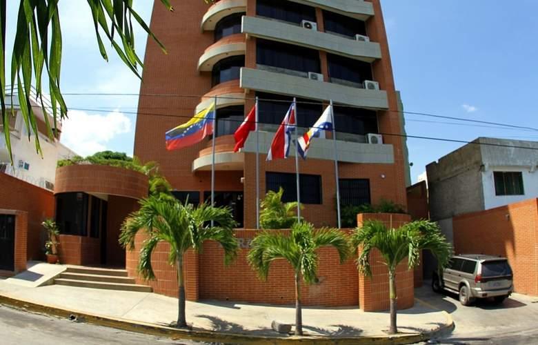 Miramar Suites - Hotel - 9