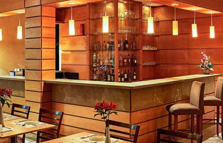 Quality Suites Botafogo - Bar - 4