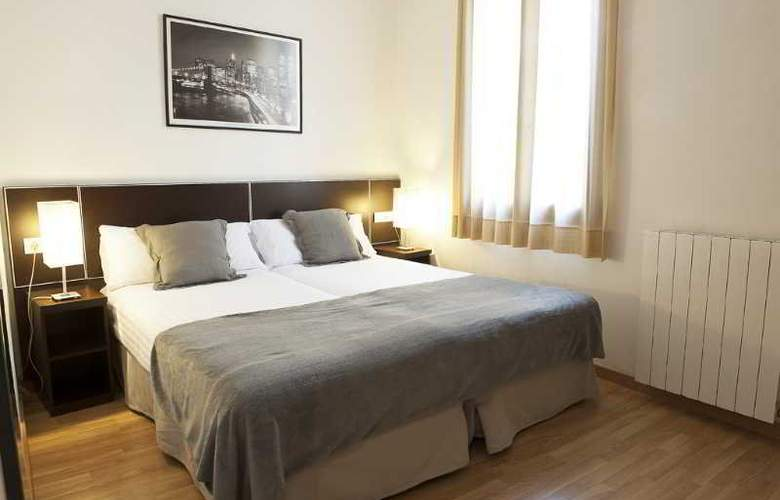 MH Apartments Liceo - Room - 11