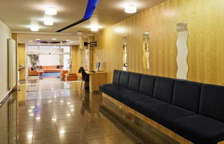 Vista Hotel - General - 1