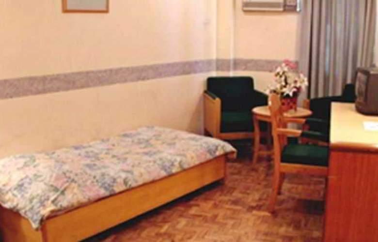 Century Plaza Hotel - Room - 10