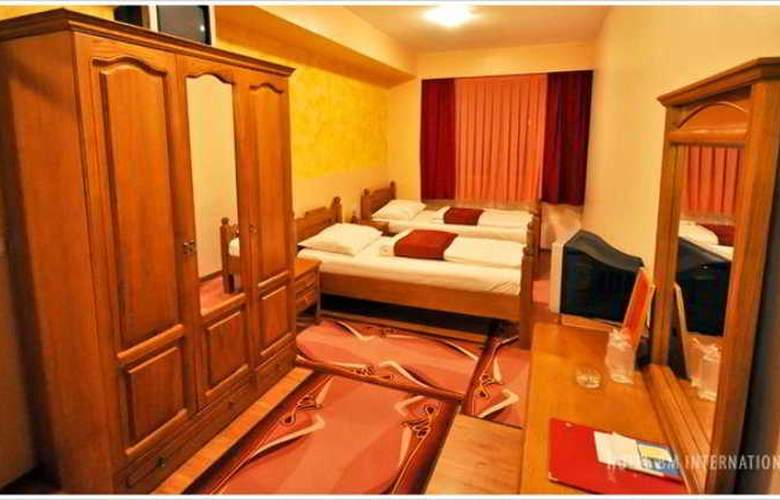 BM Interational Hotel - Room - 5