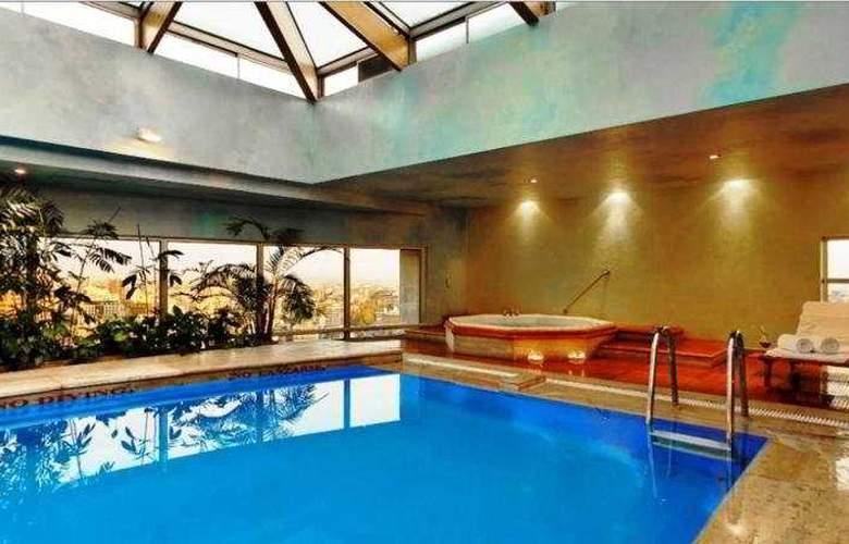 NH Collection Plaza Santiago - Pool - 4
