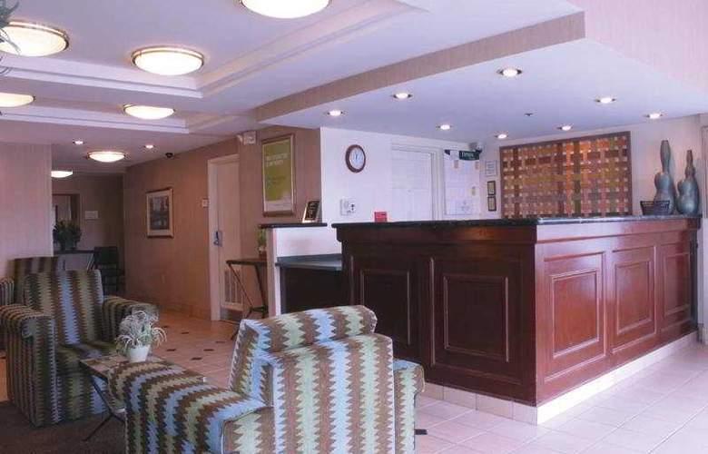 La Quinta Inn & Suites Baltimore North - General - 1