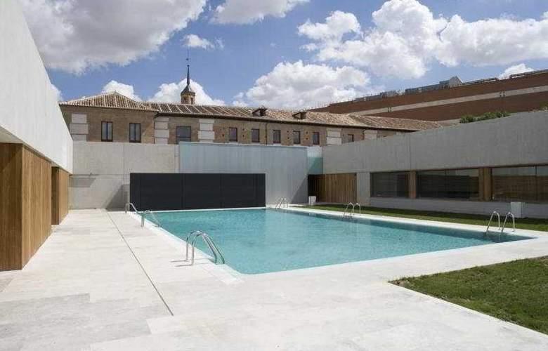 Parador de Alcala de Henares - Pool - 7