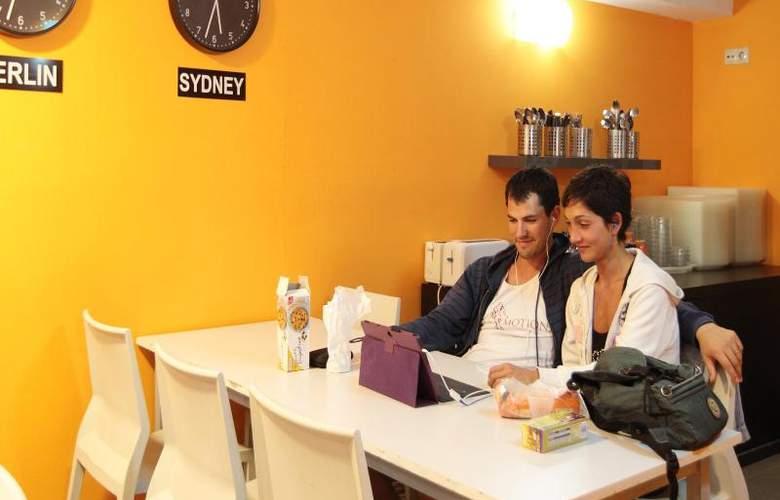 Youth Hostel Center Valencia - Restaurant - 13