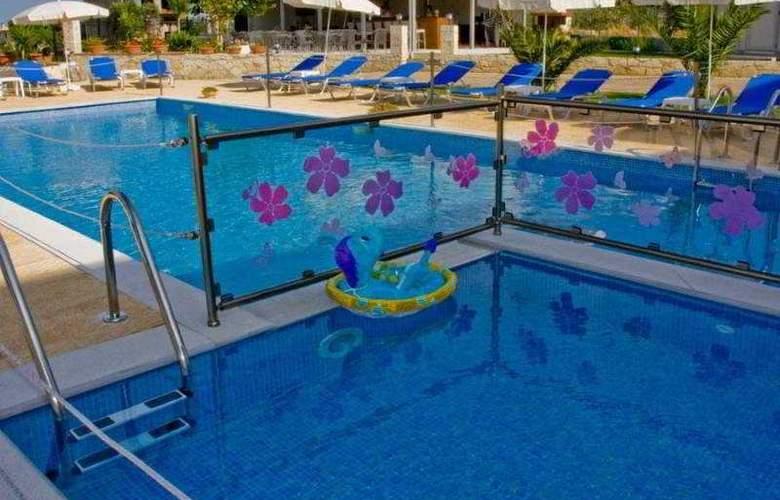 Agnanti Hotel - Pool - 13