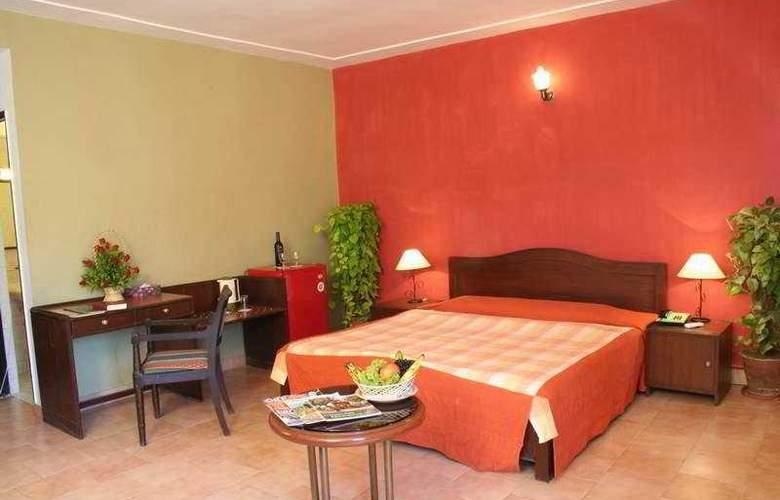 Ronil Beach Resort - Room - 3