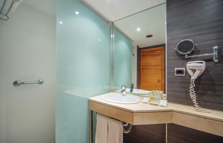 Fontanellas Playa - Room - 21