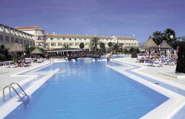 Globales Costa Tropical - Pool - 9
