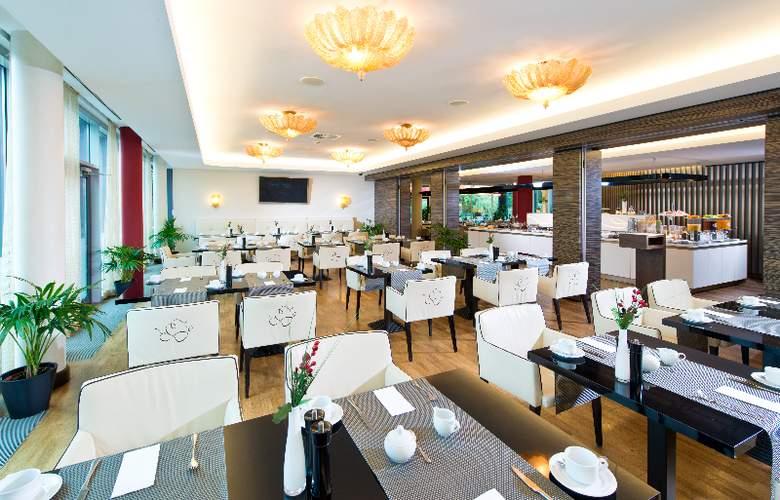GOLD INN - Adrema Hotel - Restaurant - 26