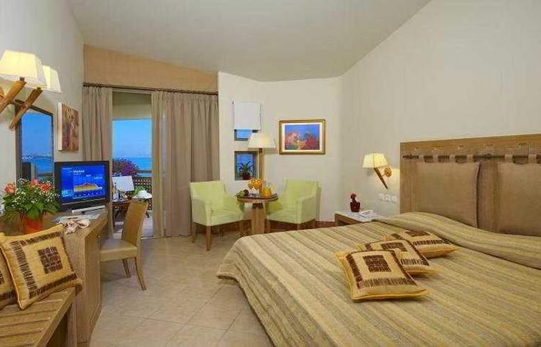 Santa Marina Plaza - Room - 3