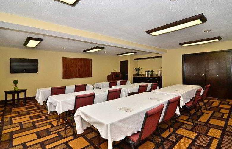 Best Western Plus Addison Galleria Hotel - Hotel - 4
