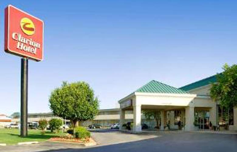 Clarion Hotel Airport - Hotel - 0