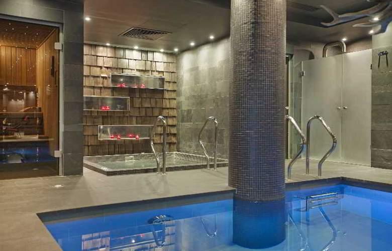 Avenue Lodge Hotel - Pool - 10