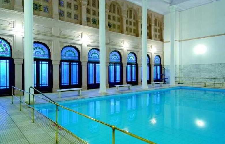 Lalgarh Palace - Pool - 3