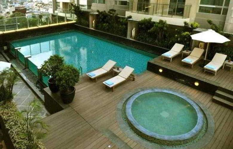 Grand Swiss-Belhotel Medan - Pool - 4