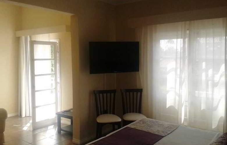 Joan Miro Hotel - Room - 8