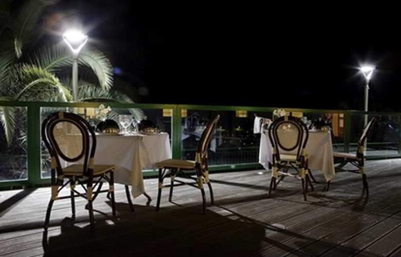 CH Hotel Del Golfo - Terrace - 3