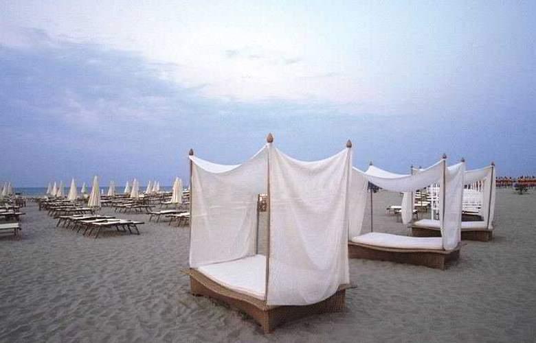 duoMo Hotel - Beach - 6