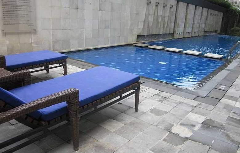 Novotel Bandung - Pool - 13