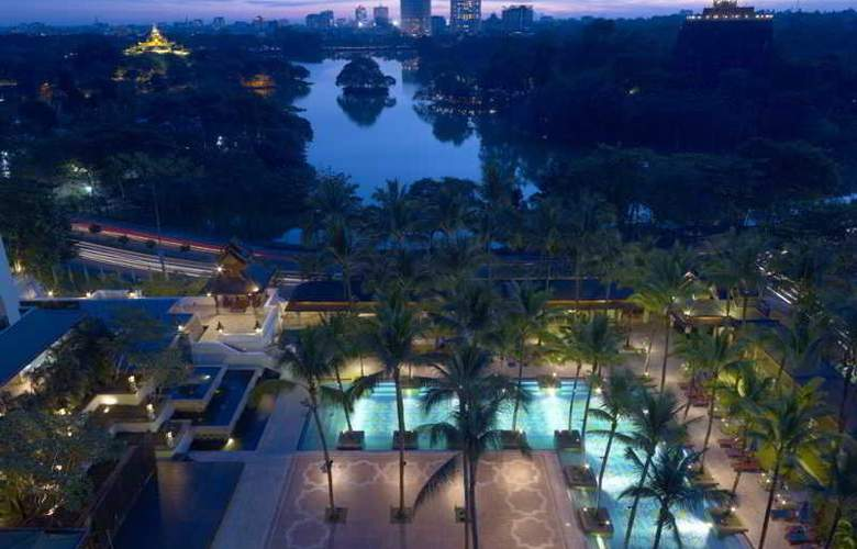 Chatrium Royal Lake Yangon - Pool - 32