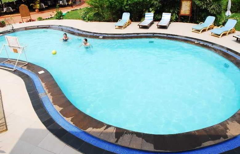 Coconut Grove - Pool - 18