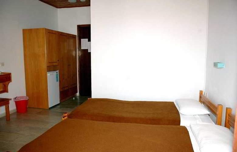 Lefkimi - Room - 3