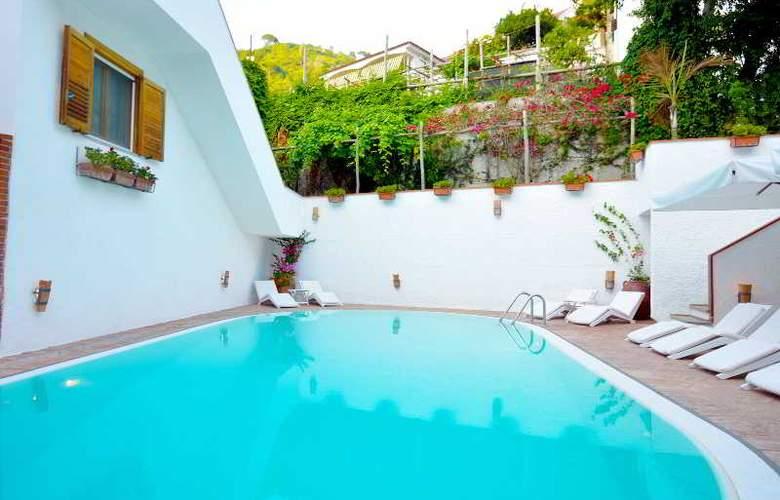 Villa Romana - Pool - 18