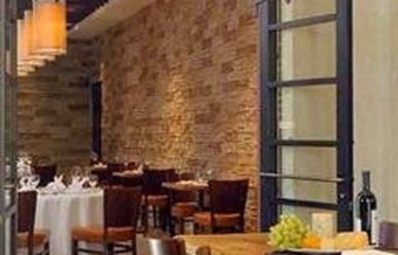 Hilton Promenade - Restaurant - 4