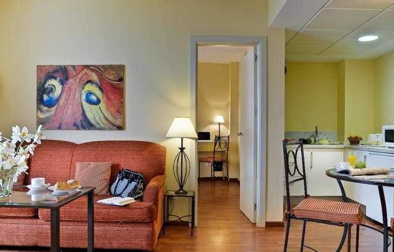 Apartamentos Murillo - Room - 2