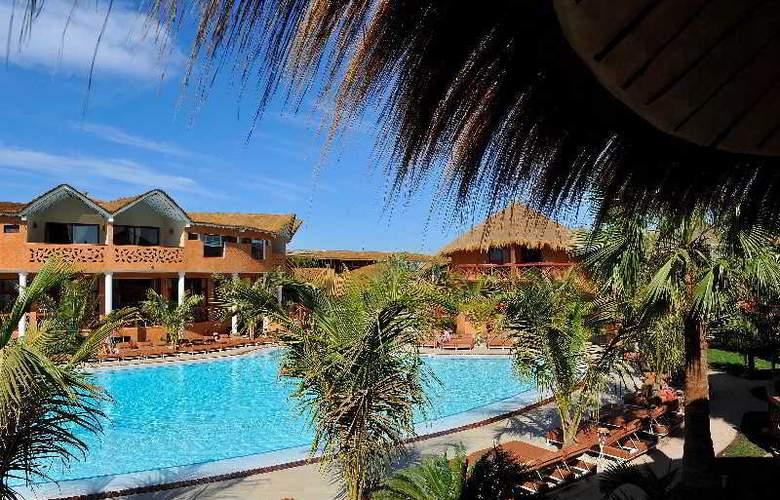 Lamantin Beach Hotel - Pool - 7