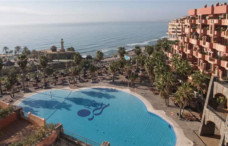 Holiday World Resort - Hotel - 0